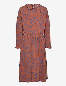 Curved Lines All Over Dress - kleider - caramel cafe