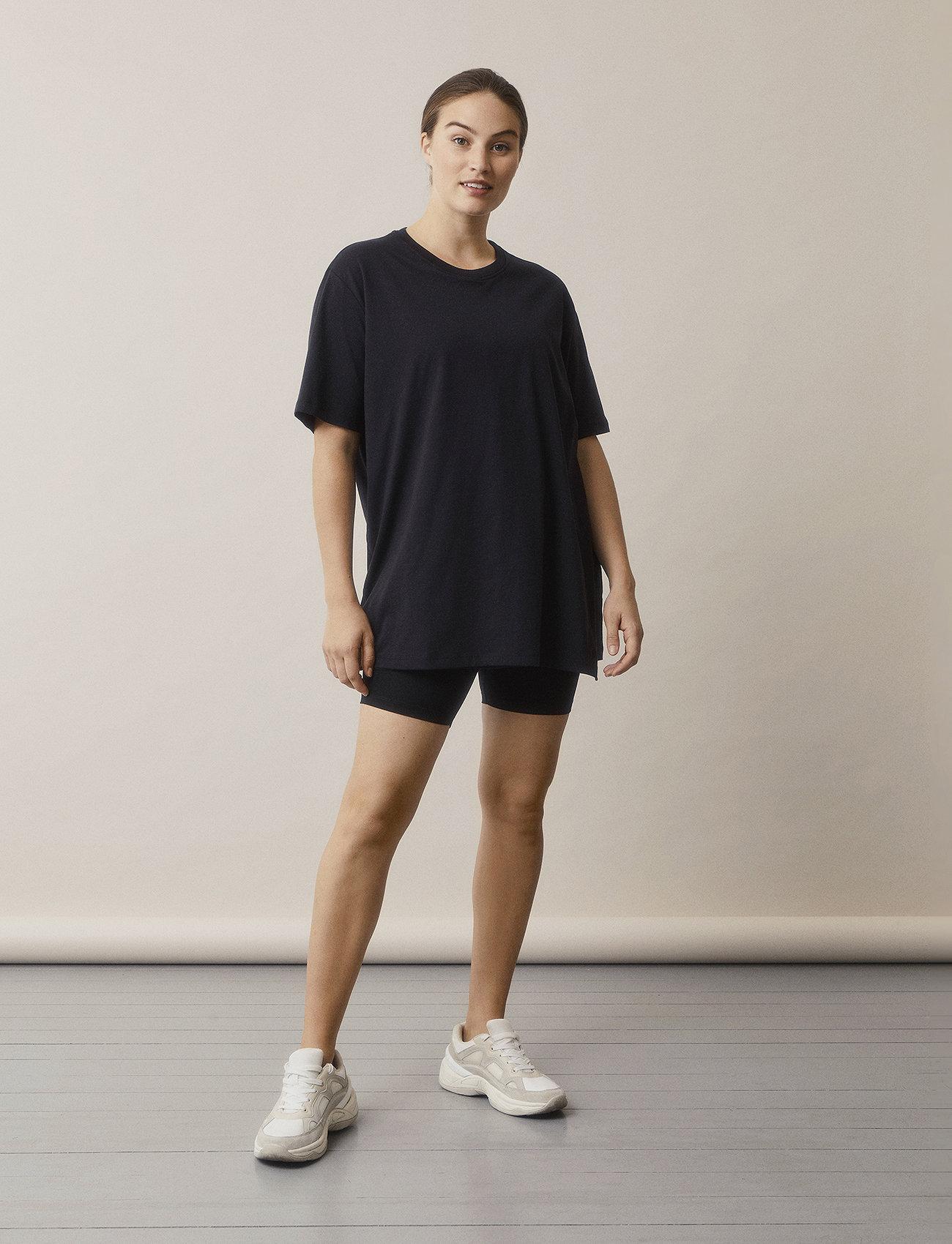 Boob - The-shirt oversized - t-shirts - black - 0