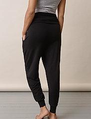 Boob - Once-on-never-off easy pants - bukser med lige ben - black - 4