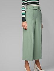 BOSS - Trima1 - bukser med brede ben - light/pastel green - 0