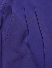 BOSS - Tapia2 - dark purple - 2