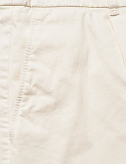 BOSS - C_Taggie-D - chino shorts - open white - 2