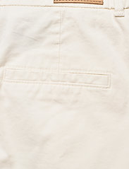 BOSS - C_Taggie-D - chino shorts - open white - 4