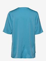BOSS - Ivala2 - kortærmede bluser - bright blue - 1