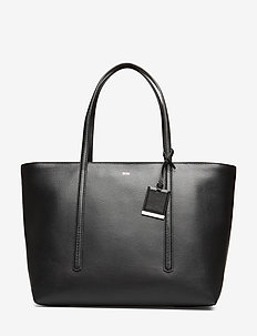 Taylor Shopp Z - fashion shoppers - black