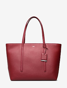 Taylor Shopp Z - fashion shoppers - dark red