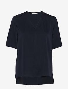 Ivala2 - kortærmede bluser - open blue