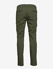 BOSS - Rogan4-1 - dressbukser - dark green - 1