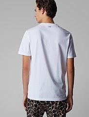 BOSS - Troaar 2 - kortærmede t-shirts - white - 4