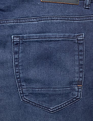 BOSS - Taber BC-P - tapered jeans - medium blue - 4