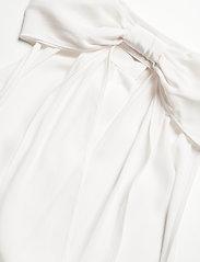Boutique Moschino - Boutique Moschino BLOUSE - Ærmeløse bluser - white - 3