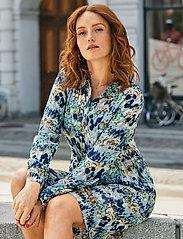 Brandtex - Dress - skjortekjoler - midnight blue - 0