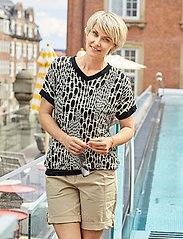 Brandtex - Casual shorts - shorts casual - black - 0