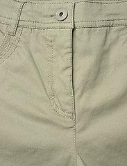 Brandtex - Capri pants - capri bukser - deep lichen green - 2