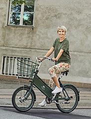 Brandtex - Capri pants - pantalons capri - deep lichen green - 0