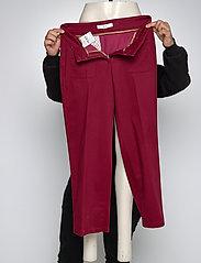 BRAX - MAINE S - wide leg trousers - cranberry - 4