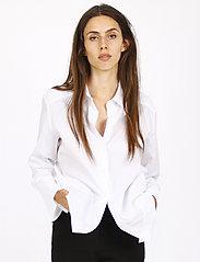 Britt Sisseck - Bianca shirt - chemises à manches longues - white - 0