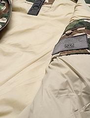 Brixtol Textiles - Keith - donsjassen - bt camo - 5