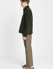 Brixtol Textiles - Seven - basisstrikkeplagg - olive - 4