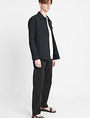 Brixtol Textiles - Frank Linen - tops - black - 3
