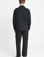 Brixtol Textiles - Frank Linen - tops - black - 5