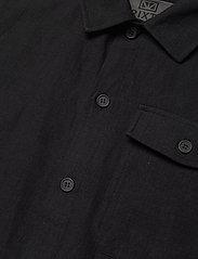 Brixtol Textiles - Frank Linen - tops - black - 7