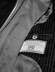 Brixtol Textiles - Eve Cord - lichte jassen - black - 7