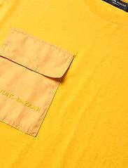 Bruuns Bazaar - Gustav Utility t-shirt - t-shirts basiques - bright yellow - 2