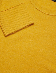 Bruuns Bazaar - Chris Crew Neck - tricots basiques - yellow - 2