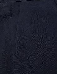 Bruuns Bazaar - Lilli Daphne Shorts - shorts casual - night sky - 2