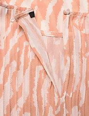 Bruuns Bazaar - Gloss Juliet top BZ - blouses à manches courtes - gloss artwork - 3