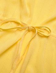Bruuns Bazaar - Nori Mailly top BZ - blouses à manches courtes - lemon drop - 3