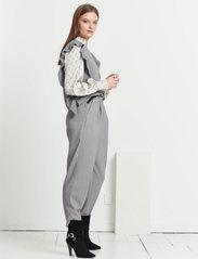Bruuns Bazaar - Simona Innea knit vest - knitted vests - grey melange - 3
