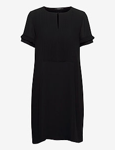 Camilla Saja dress - midi dresses - black