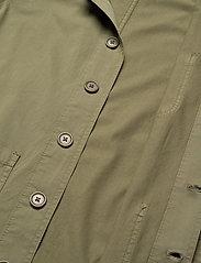 By Garment Makers - The Organic Workwear Jacket - vêtements - oil green - 4