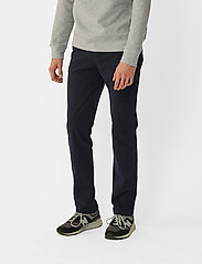 By Garment Makers - The Organic Chino Pants - pantalons chino - navy blazer - 0