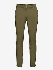The Organic Chino Pants - OIL GREEN