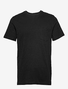 The Organic Tee w. pocket - basic t-shirts - black