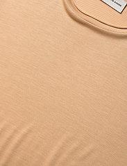 By Malene Birger - AMATTA - t-shirts - tan - 2