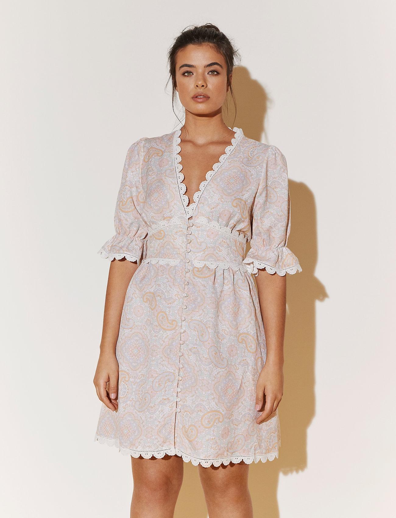 By Malina - Leonie dress - sommarklänningar - pastel paisley - 0