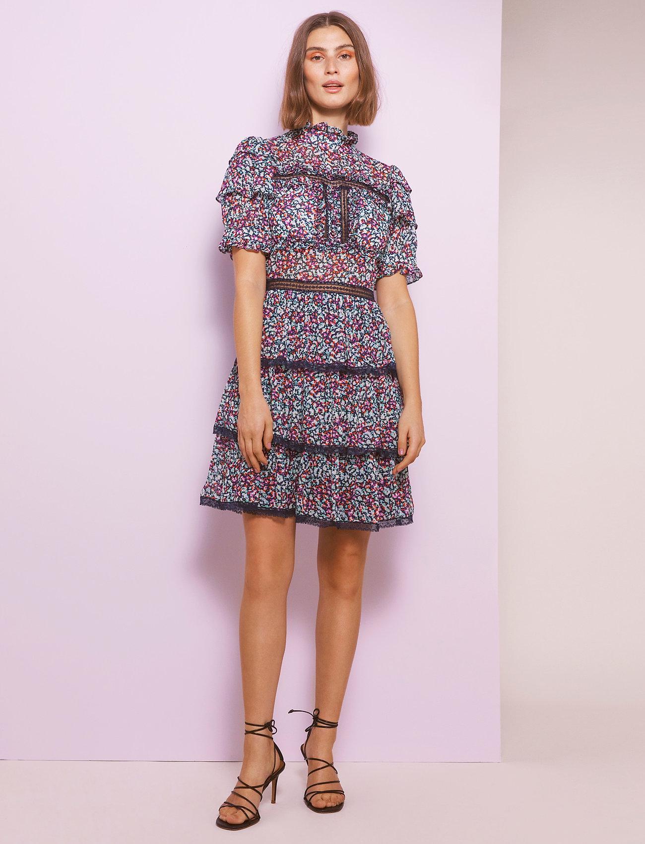 By Malina - Harlow dress - cocktailklänningar - wild blossom - 0