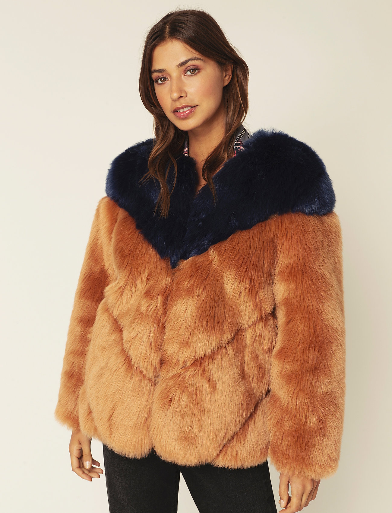 By Malina - Rocca faux fur jacket - faux fur - spiced honey-inc blue - 0