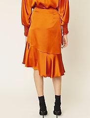 By Malina - Ellie skirt - midi kjolar - spiced honey - 3