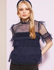 By Malina - Rachel dotted blouse - kortärmade blusar - deep blue - 0