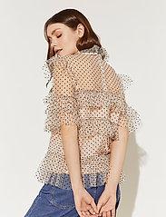 By Malina - Rachel dotted blouse - kortärmade blusar - soft beige - 3