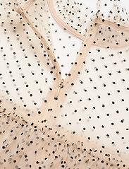 By Malina - Rachel dotted blouse - kortärmade blusar - soft beige - 5