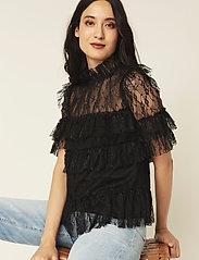 By Malina - Rachel blouse - kortärmade blusar - black - 0