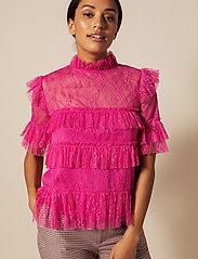By Malina - Rachel blouse - kortärmade blusar - cerise - 0