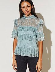 By Malina - Rachel blouse - kortärmade blusar - serene blue - 0