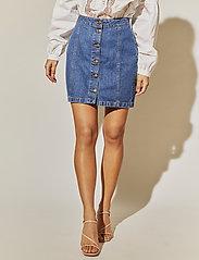 By Malina - Celie skirt - jeansowe spódnice - washed blue - 0